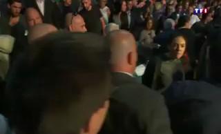 Le Pen in Aiacciu, a ghjuventù corsa schjaffittata