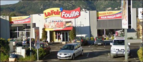 Puderia essa un ritrattu di una banlieue di Champigny sur Marne o di Charleville-Mézières. Ma nò, hè in Corsica.