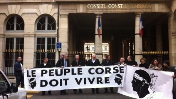 Nisuna immulazione cù u focu davant'à u Conseil Constitutionnel