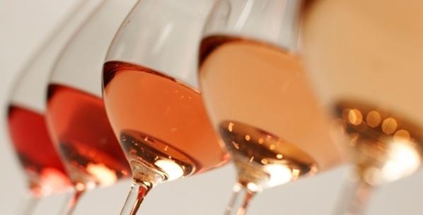 U vinu rosé ùn riesce micca à Fillon