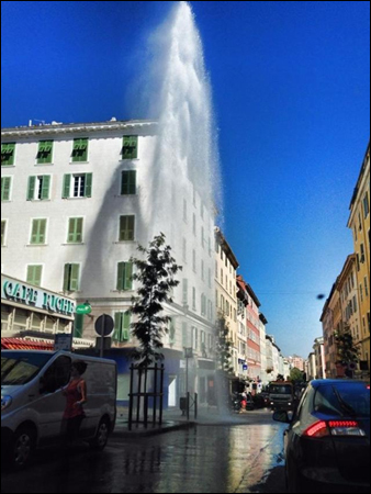 Bastia:  u so campanile, a so piazza, u so geyser