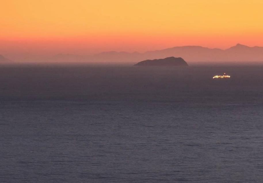 A Corsica è u San Petrone... visti da l'Italia