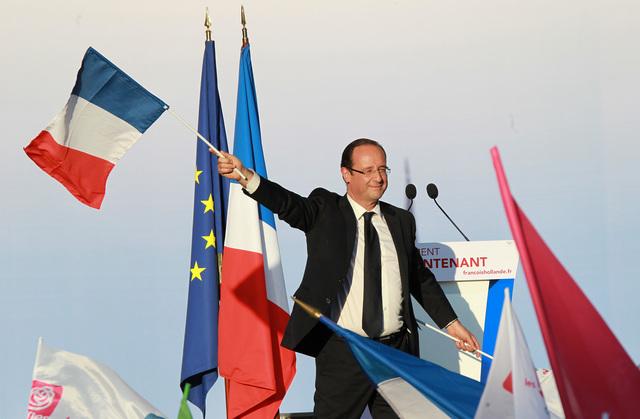 """Hollande in u campu di u populu di u """"nò"""""""