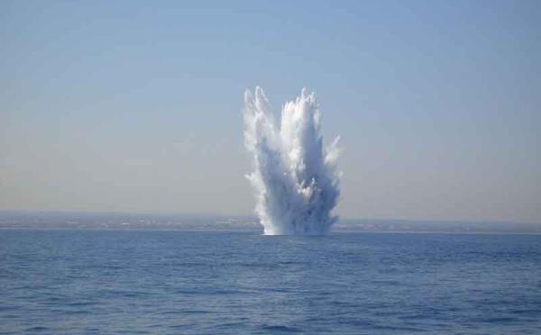 Strane splusione in mare à u largu di a Corsica
