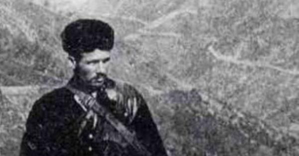"""Quale era Tiadoru Poli, u banditu chì hà ispiratu à Biancarelli pè """"Orphelins de Dieu"""""""