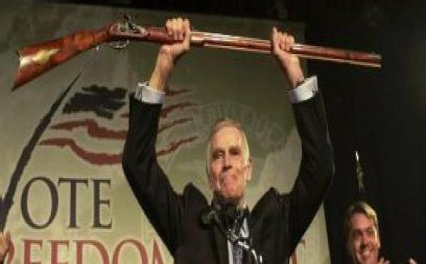 Charlton Heston hà cappiatu u fucile